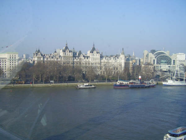 london day trip buckingham palace bank of england tourism london eye trafalgar square ryanair