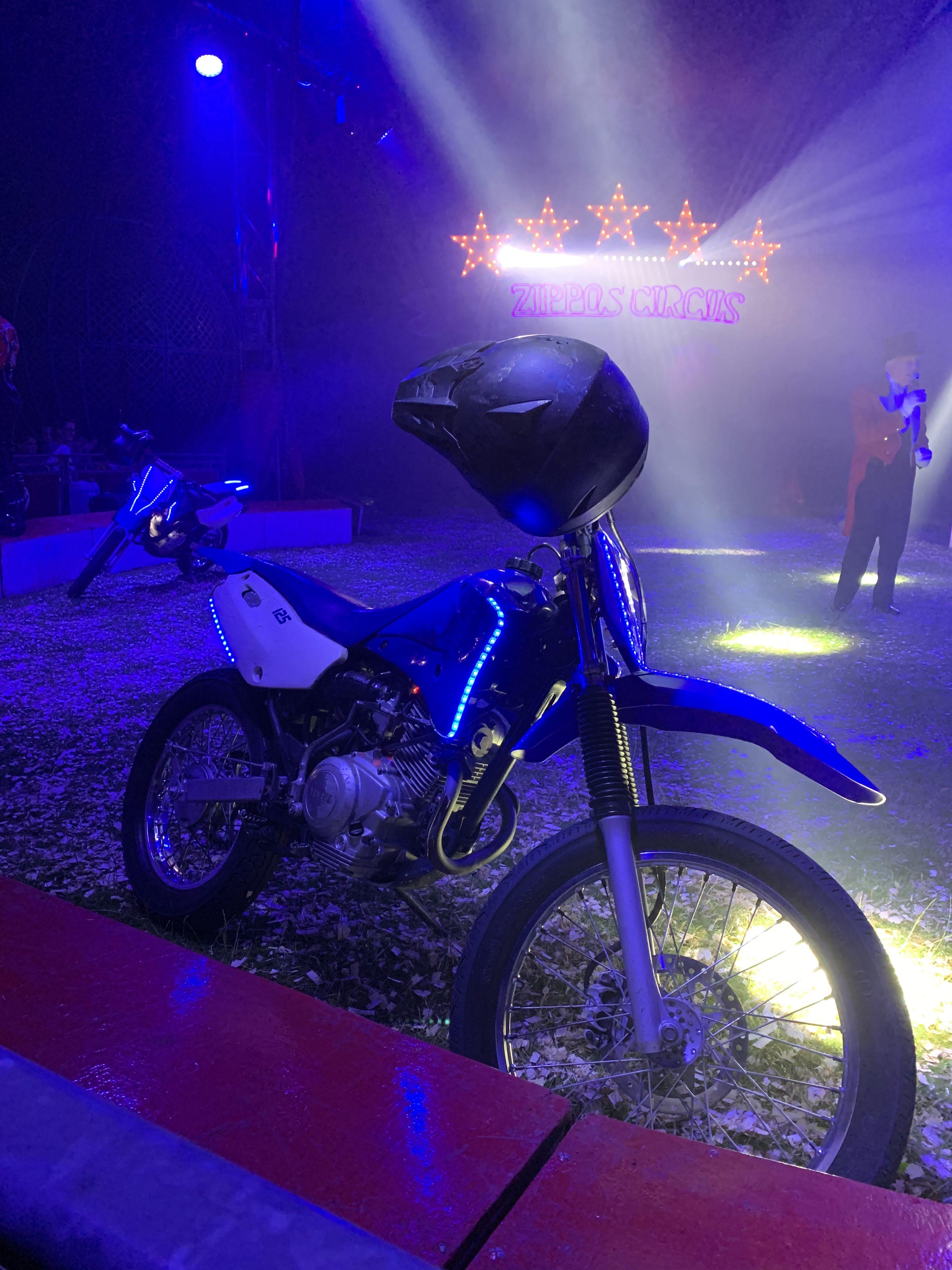 zippos circus motorbikes