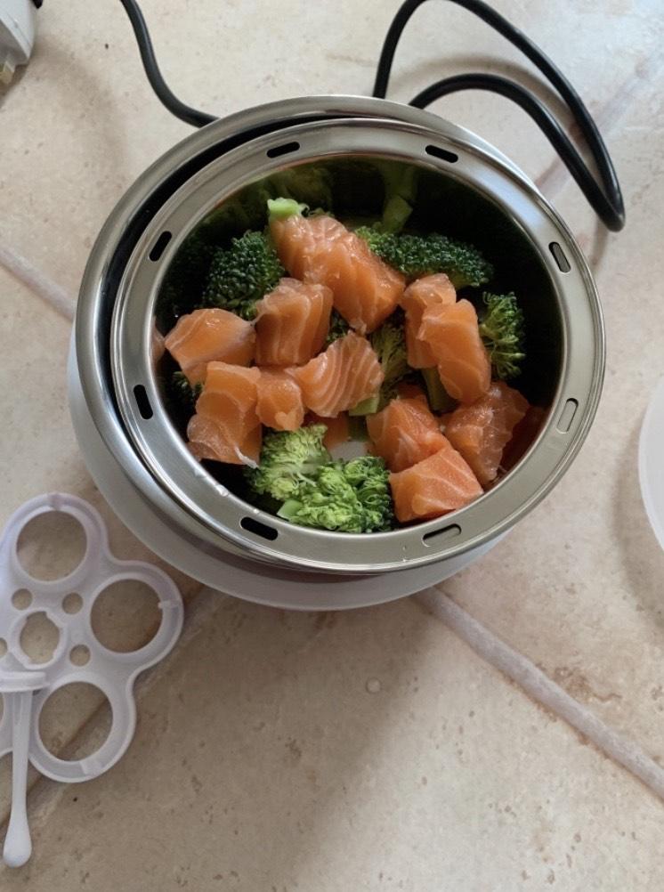 salmon broccoli itaki steamer
